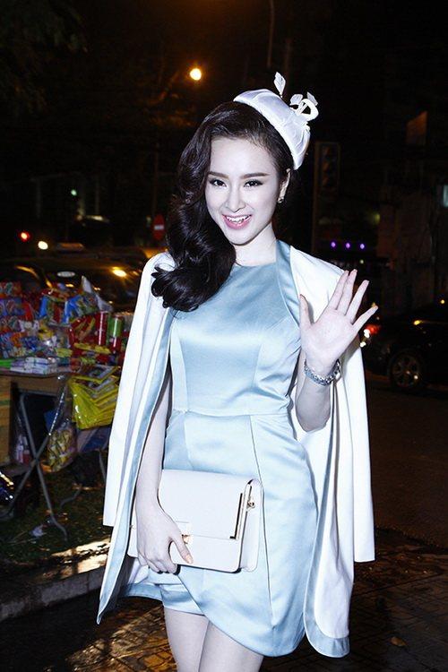 top 8 bo vay giup angela phuong trinh thang hang - 16