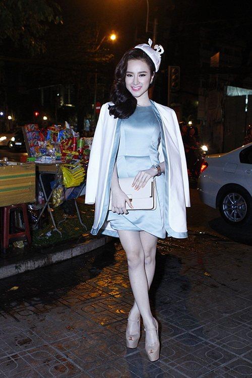 top 8 bo vay giup angela phuong trinh thang hang - 17