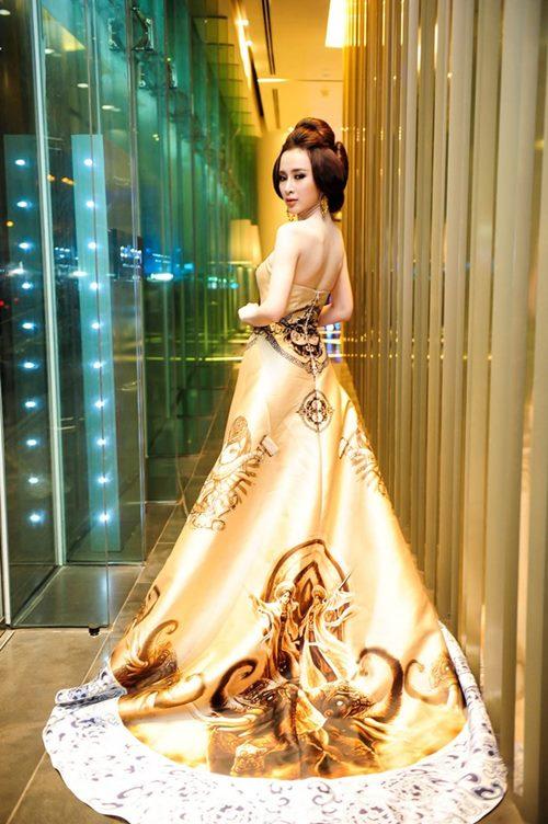 top 8 bo vay giup angela phuong trinh thang hang - 19