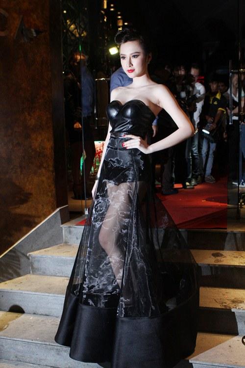 top 8 bo vay giup angela phuong trinh thang hang - 4
