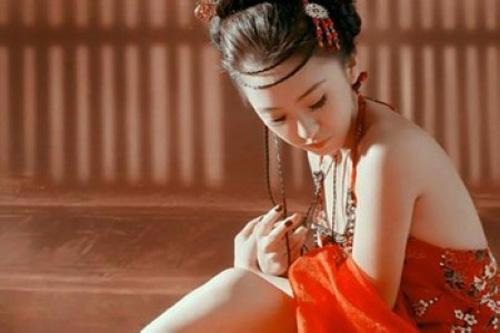 phu nu trung quoc xua khong mac noi y! - 2