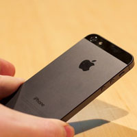 Apple thay miễn phí nút nguồn iPhone 5 bị lỗi