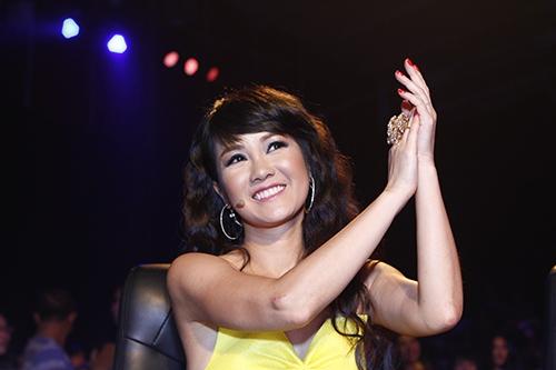 """hong nhung hat rock khien fan """"noi da ga"""" - 14"""