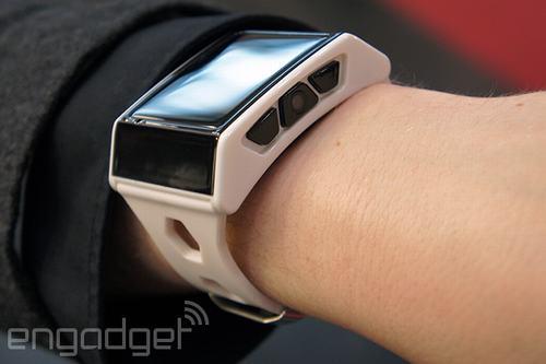 xs-3: smartwatch co day du chuc nang nhu dien thoai - 1