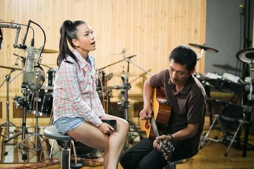 phuong vy lan dau mang bo len san khau - 11