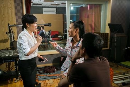 phuong vy lan dau mang bo len san khau - 13