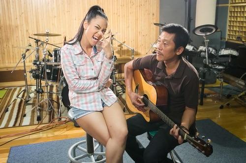 phuong vy lan dau mang bo len san khau - 12