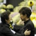 Tin tức - Phà Sewol: Tổng thống Hàn bị chỉ trích 'diễn trò'