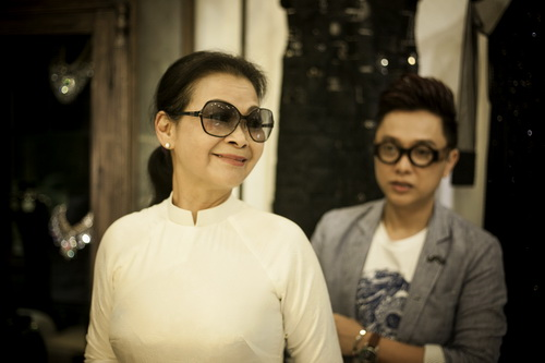 khanh ly chon 4 ao dai cho dem nhac rieng - 4
