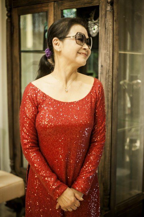 khanh ly chon 4 ao dai cho dem nhac rieng - 9
