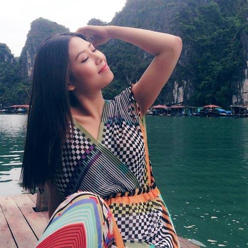 angela phuong trinh sexy ben be boi - 4