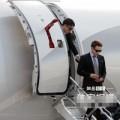 Làng sao - Bi Rain được phi cơ riêng đưa đón