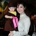 Con gái Vũ Thu Phương điệu đà bên mẹ