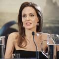 Xem & Đọc - Angelina Jolie rạng rỡ trong buổi họp báo Maleficent