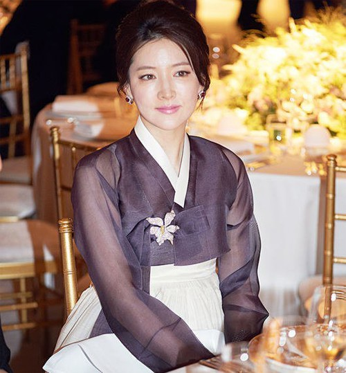 lee young ae lap lung voi 'dae jang geum 2' - 1