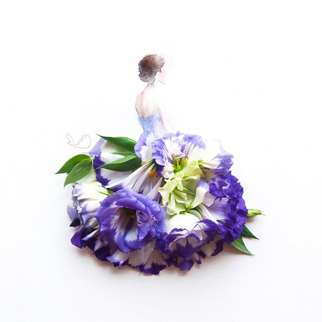 Hoa và thời trang là hai niềm đam mê của phái đẹp. Đây cũng chính là nguồn cảm hứng giúp nghệ sĩ thi giác người Malaysia, Limzy tạo nên những bản phác thảo thời trang từ rất nhiều loại hoa khác nhua như hồng, cẩm chướng, hoa lan, hướng dương.