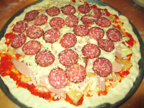 cach lam pizza dua xuc xich - 4