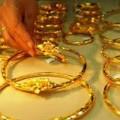 Mua sắm - Giá cả - Giá vàng vẫn thẳng tiến