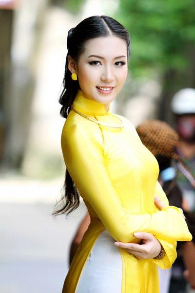 """sao viet giau co """"khong mang"""" showbiz - 3"""