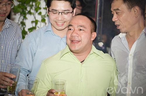 vo tuan hung bung bau toi ung ho chong - 5