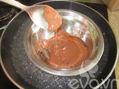 cuoi tuan lam kem chocolate giai nhiet - 2