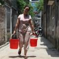 Tin tức - Dân Thủ đô nhịn tắm, ăn cháo vì mất nước