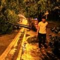 Tin tức - Hà Nội tan hoang sau trận mưa đầu mùa