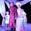Sao Việt đội mưa đi dự đám cưới Khánh Linh