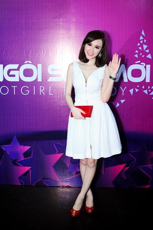 angela phuong trinh tuoi tan di cham thi - 1