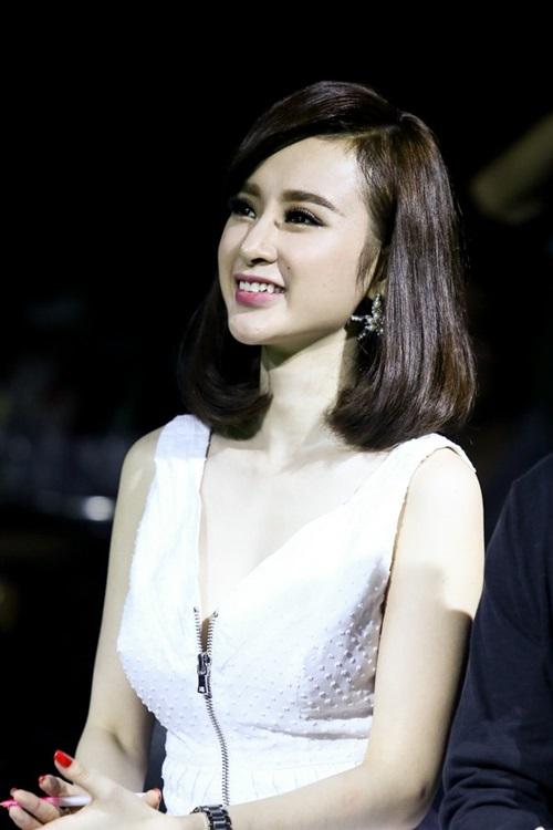 angela phuong trinh tuoi tan di cham thi - 6