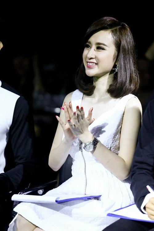 angela phuong trinh tuoi tan di cham thi - 8