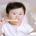 Làm mẹ - Thấp thỏm vì lỡ cho con ăn váng sữa