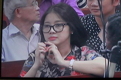 choang voi nhan sac vo bau kien - 13