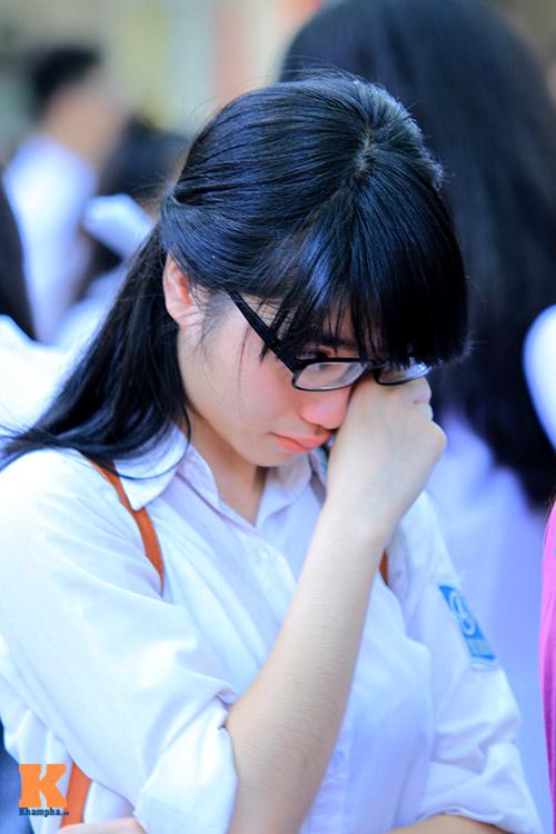 xuc dong phut chia tay cua hoc sinh phan dinh phung - 7