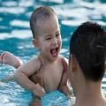 Làm mẹ - Cho trẻ đi bơi, cẩn thận rước bệnh