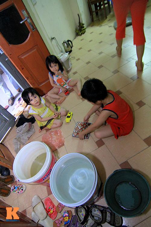 ha noi: hang ngan ho dan khon don vi mat nuoc - 14