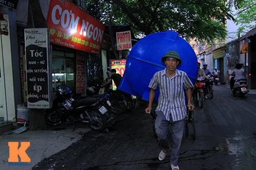 ha noi: hang ngan ho dan khon don vi mat nuoc - 1