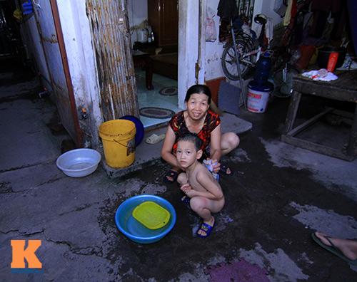 ha noi: hang ngan ho dan khon don vi mat nuoc - 13