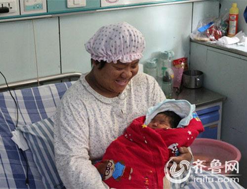 choang voi be so sinh 6,2kg o tq - 3
