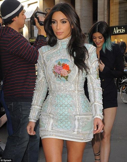 kim kardashian kin mit den tiec doc than - 2