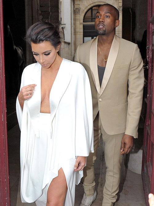 kim kardashian sexy trong tiec cuoi tai lau dai - 2
