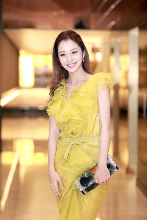 Jennifer Phạm làm MC của Giọng Hát Việt nhí-2