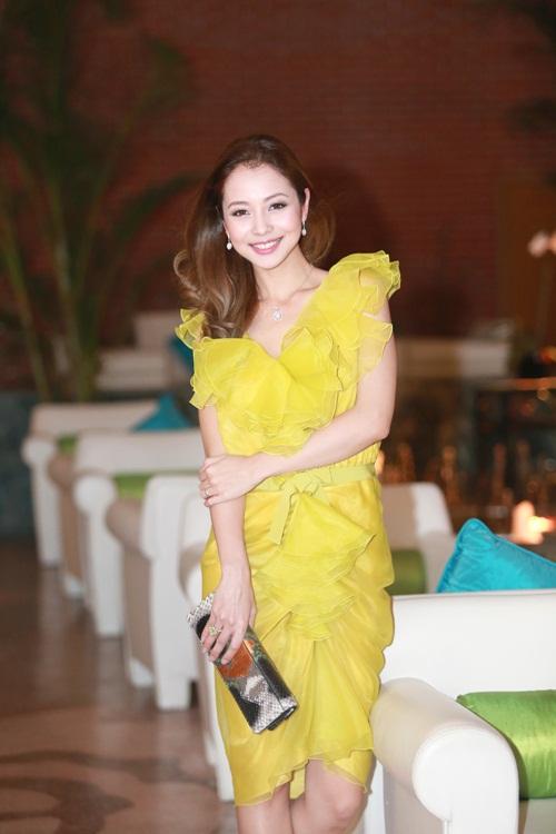 Jennifer Phạm làm MC của Giọng Hát Việt nhí-5