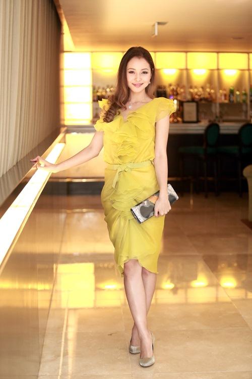 Jennifer Phạm làm MC của Giọng Hát Việt nhí-6