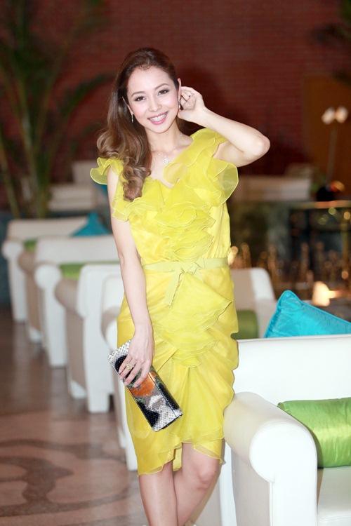Jennifer Phạm làm MC của Giọng Hát Việt nhí-10