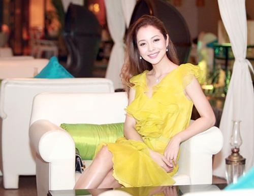 Jennifer Phạm làm MC của Giọng Hát Việt nhí-8