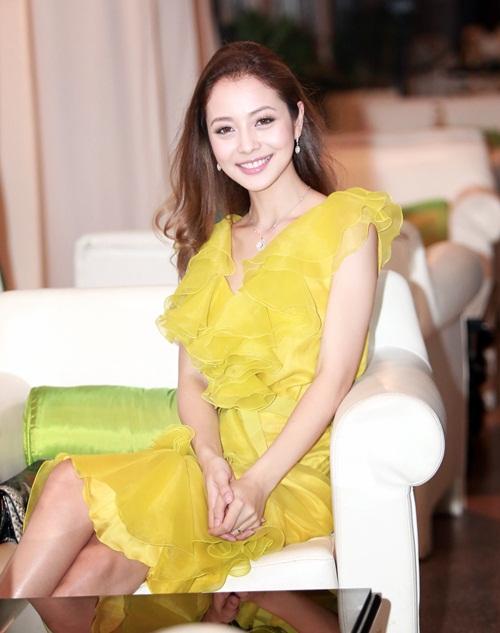 Jennifer Phạm làm MC của Giọng Hát Việt nhí-9