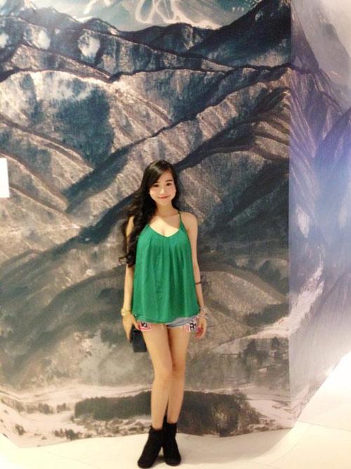 Sao Việt chống nóng bằng áo 2 dây sexy - 9