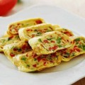 Bếp Eva - Trứng cuộn ớt chuông chiên thơm phức