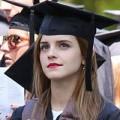 Làm đẹp - Emma Watson đẹp như tranh ở lễ tốt nghiệp